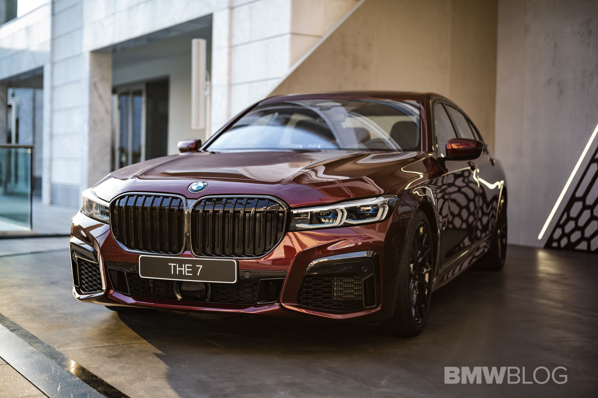 Aventurine Red Is An Eye Catcher On The 2019 Bmw M760li