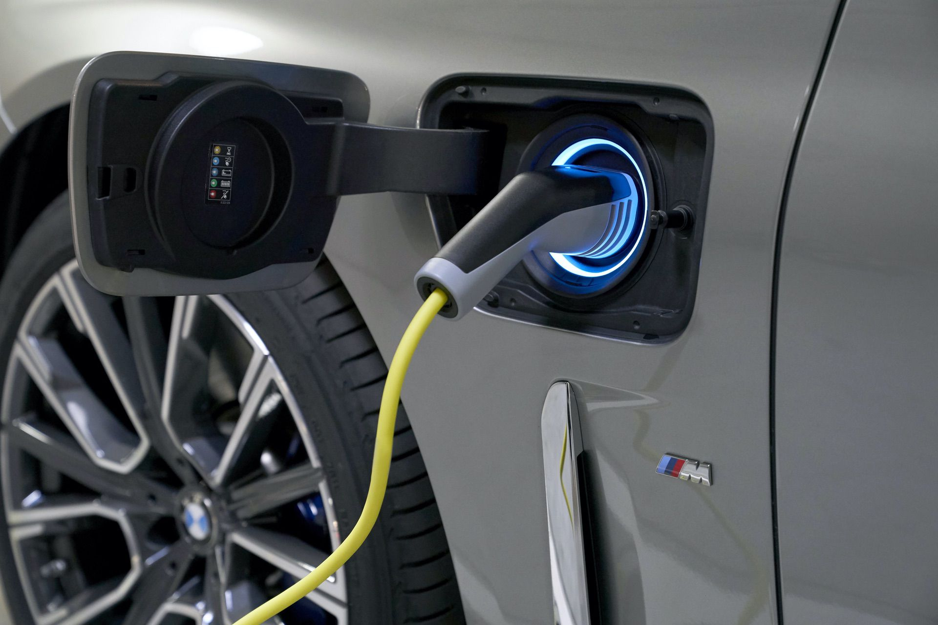 BMW 745Le hybrid test drive 43