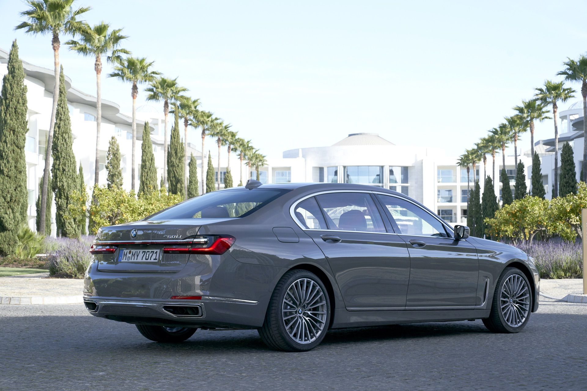 Test Drive 2019 Bmw 750li Xdrive A Promising Reboot Of The Luxury Limousine