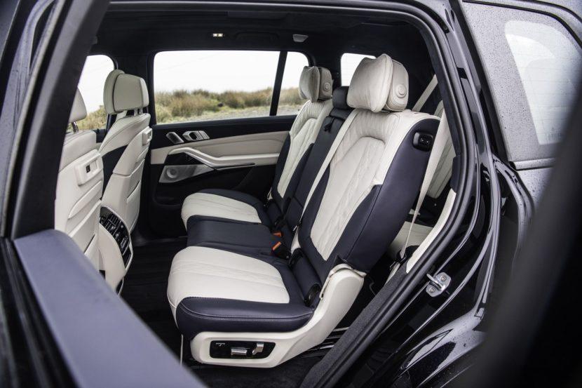 BMW X7 m50d black color 05 830x553