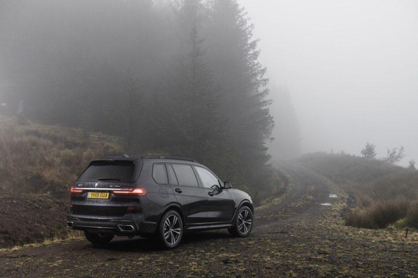BMW X7 m50d black color 108 830x553
