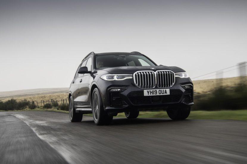 BMW X7 m50d black color 72 830x553