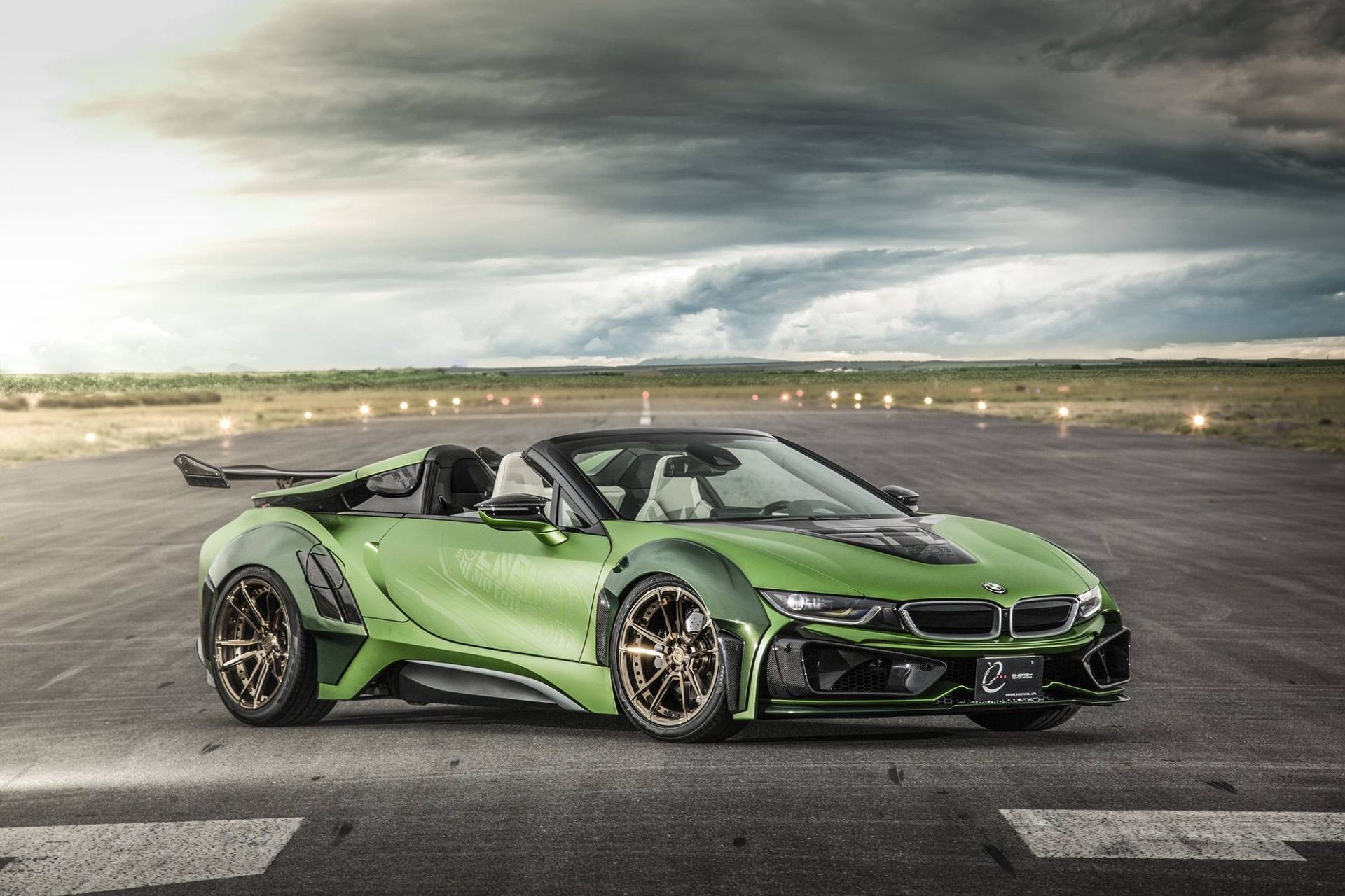 BMW i8 Roadster Energy Motors Sport green color 12