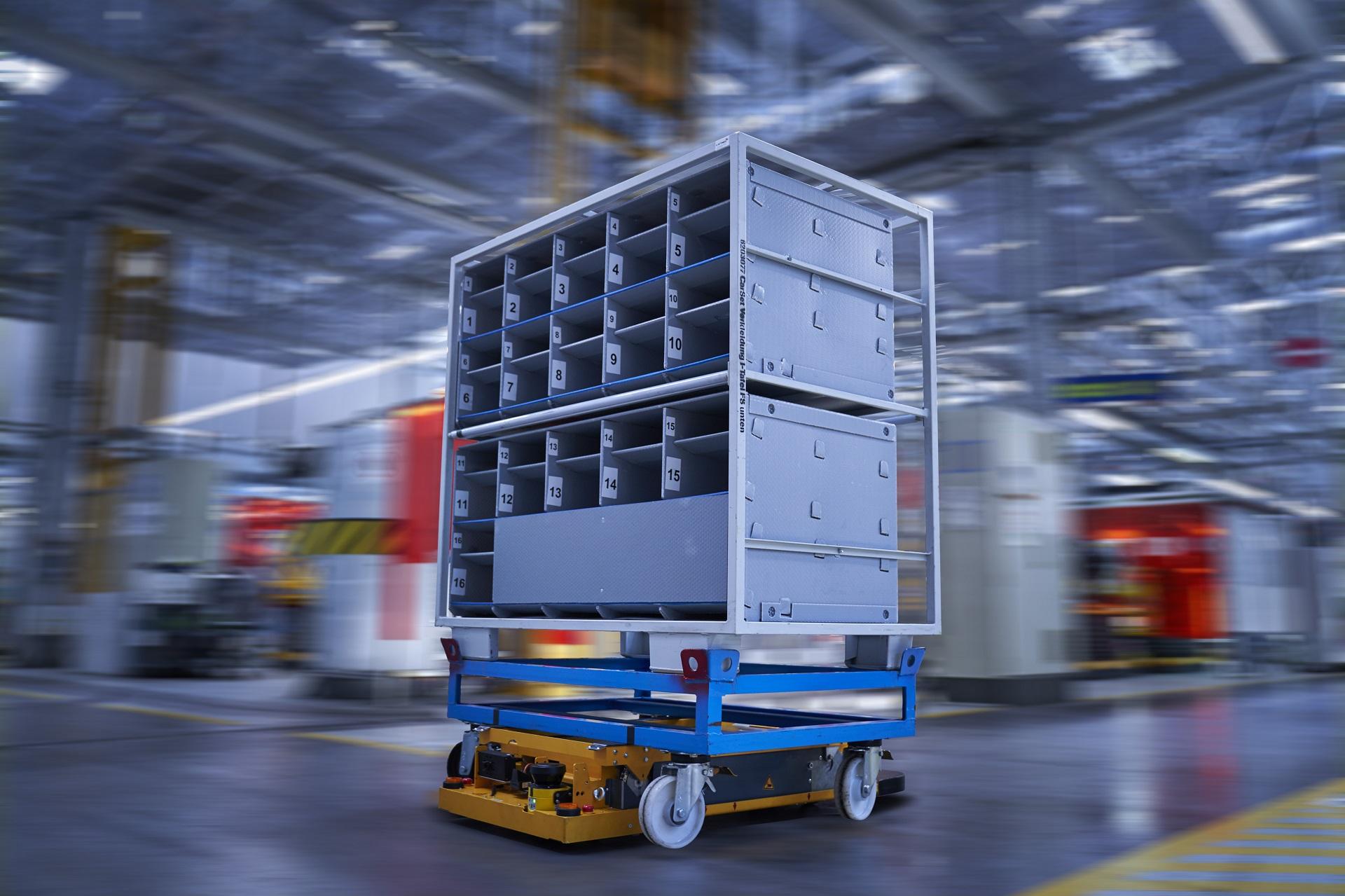 P90331117 highRes smart transport robo