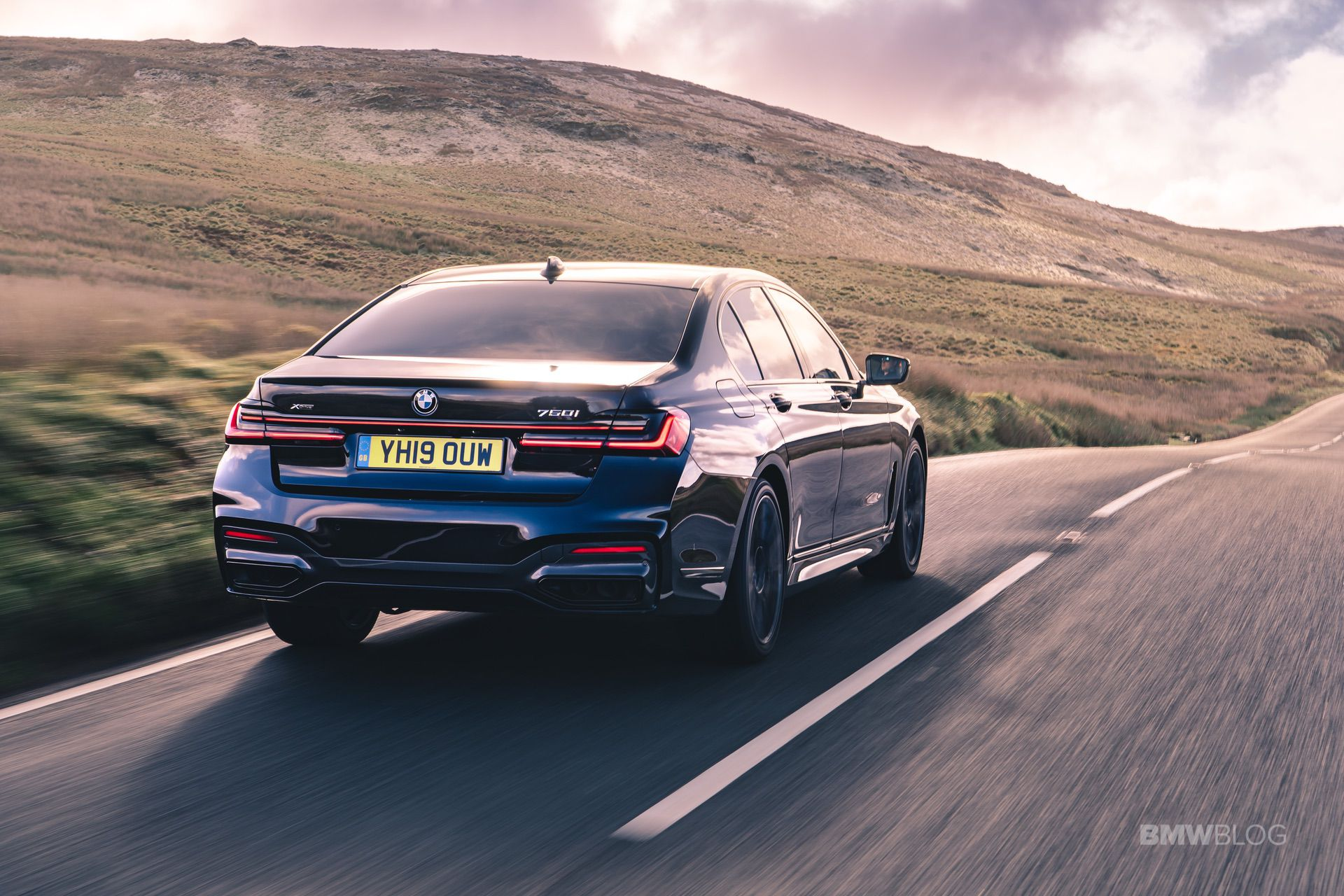 2020 Bmw 750i M Sport Package New Photos