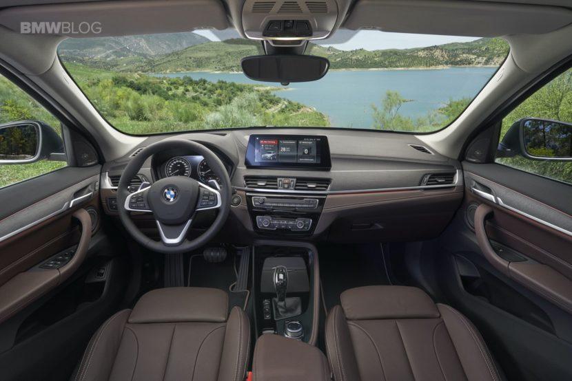 2019 BMW X1 Facelift interior 02 830x554