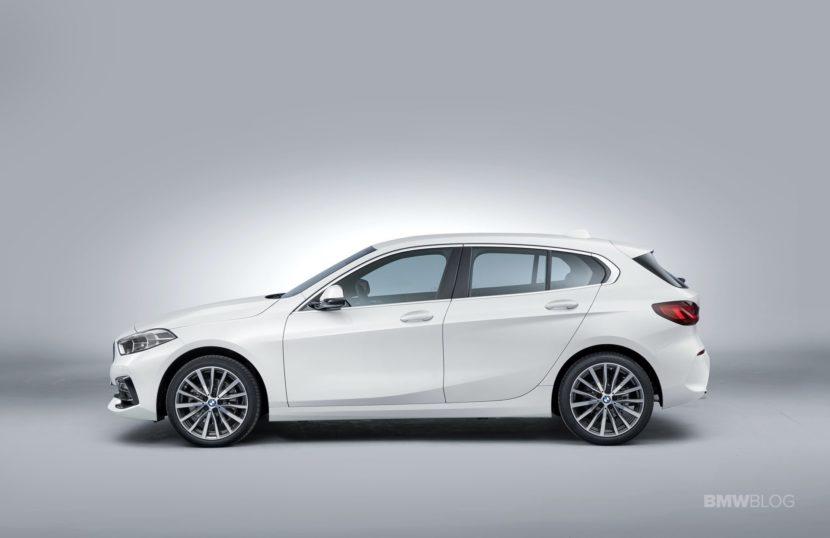 2020 BMW 118i 07 830x538