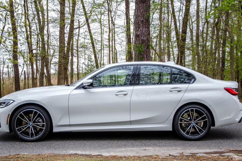 BMW 330i xDrive 1 of 42 830x553