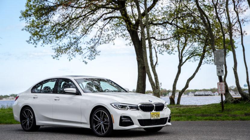BMW 330i xDrive 28 of 42 830x467