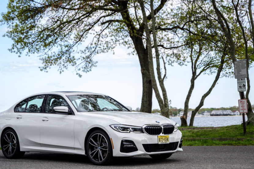 BMW 330i xDrive 28 of 42 830x553