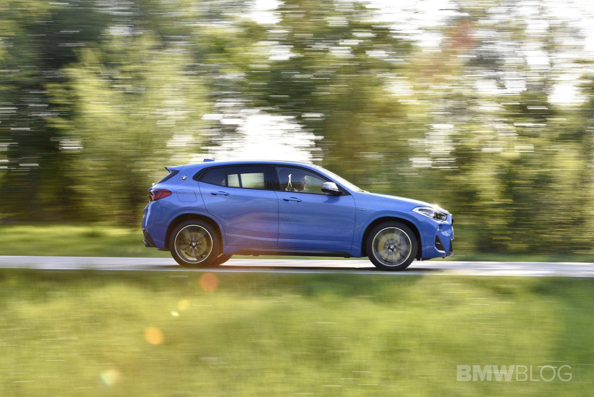 BMW X2 M35i Misano Blue 57