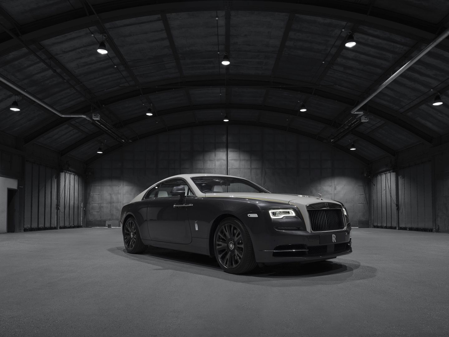 Rolls-Royce Unveils Wraith Eagle VIII Collection Ahead of Villa d'Este