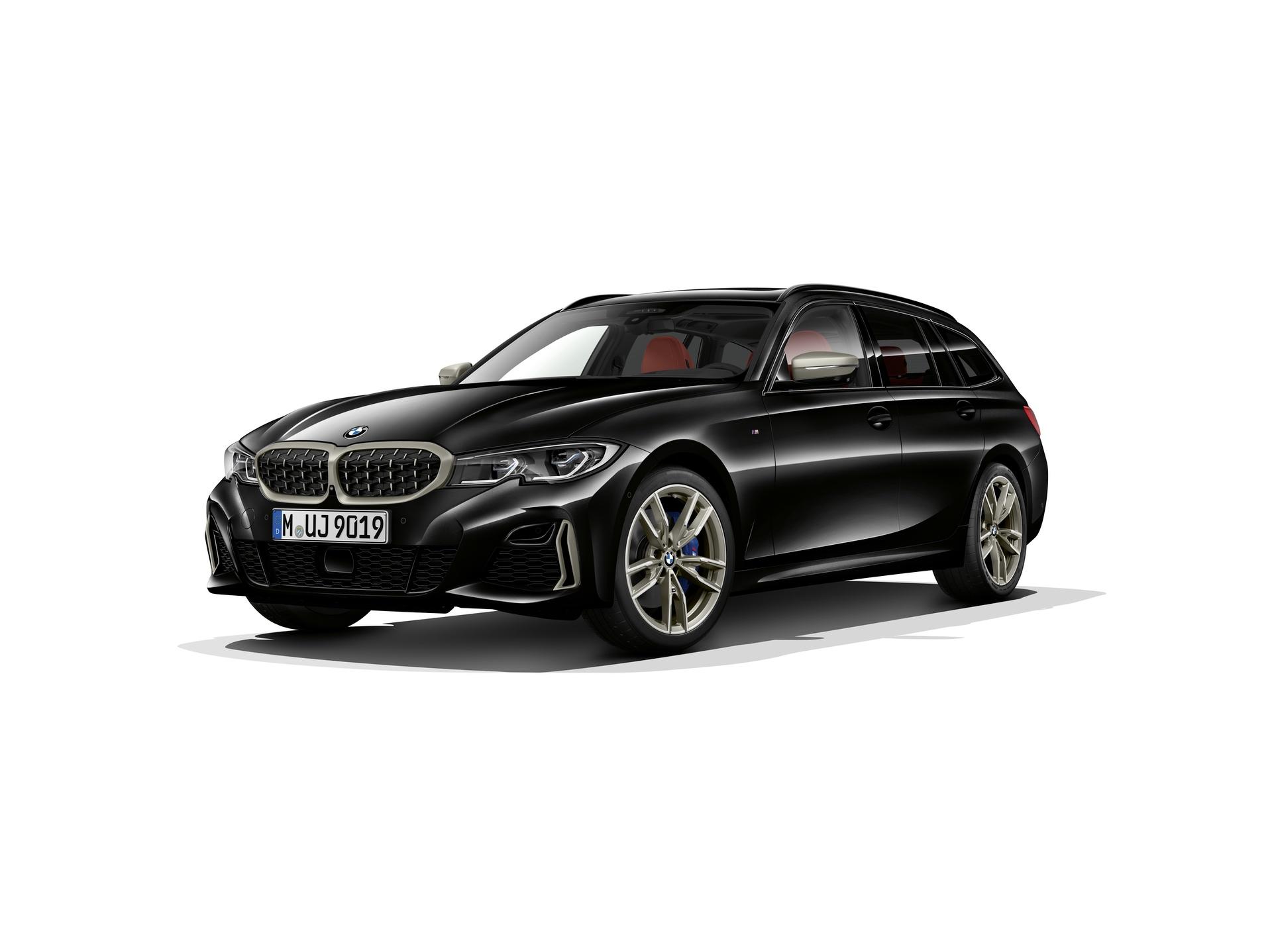 2019 BMW M340i Touring 01
