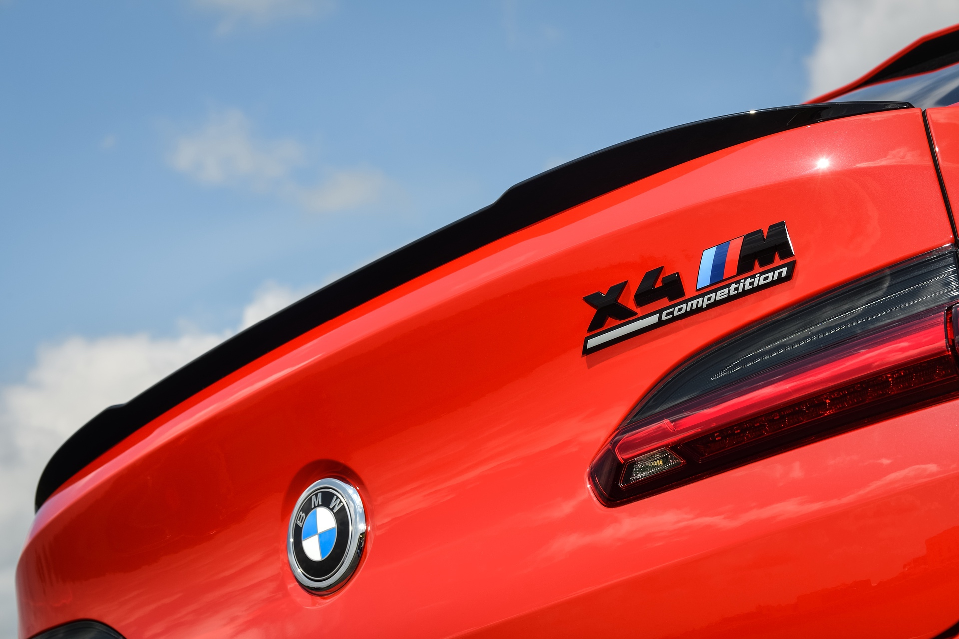 2020 BMW X4 M Competition Toronto Red 72
