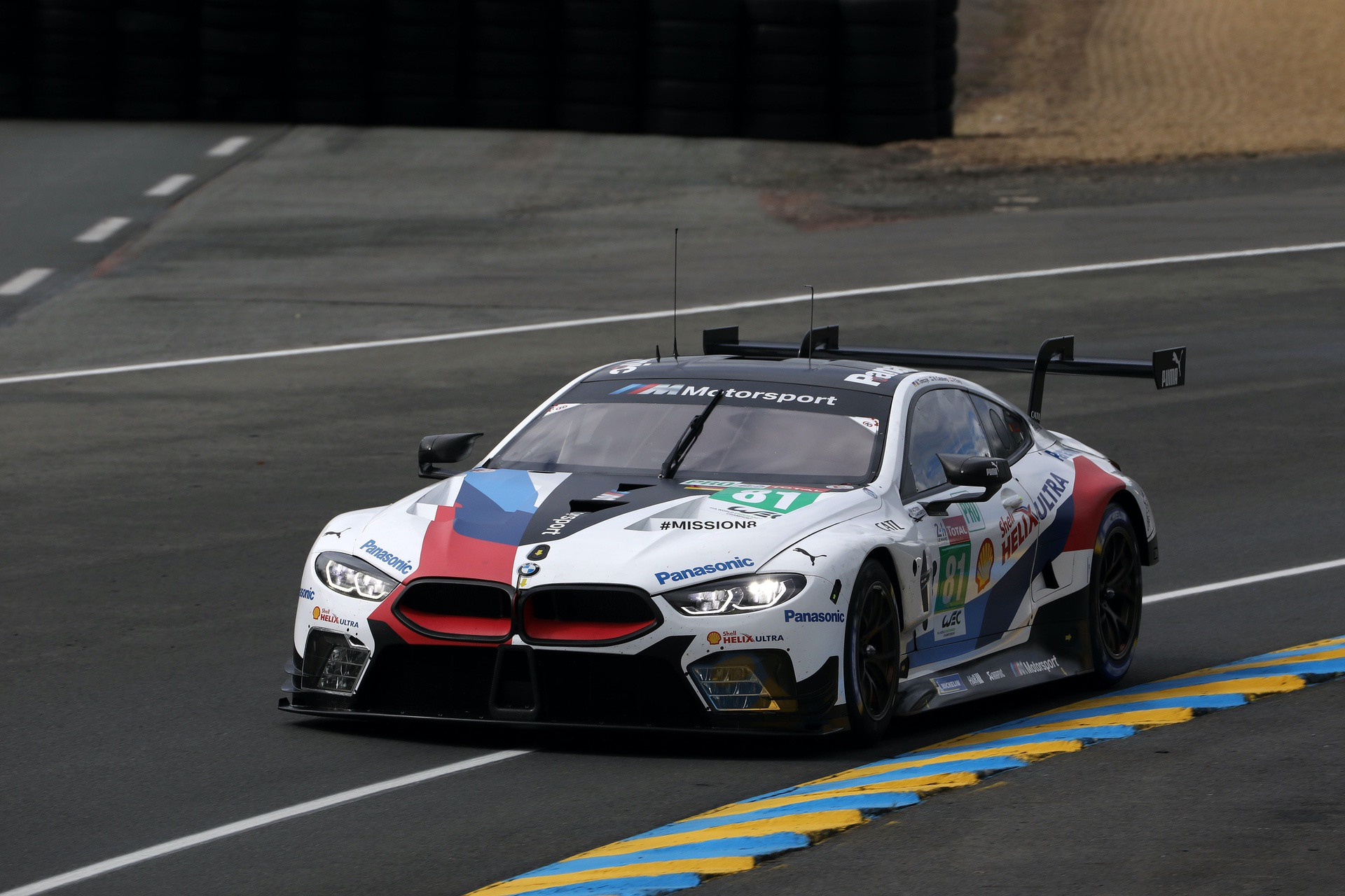 bmw m8 gte starts le mans 24 hour race from 5th place. Black Bedroom Furniture Sets. Home Design Ideas