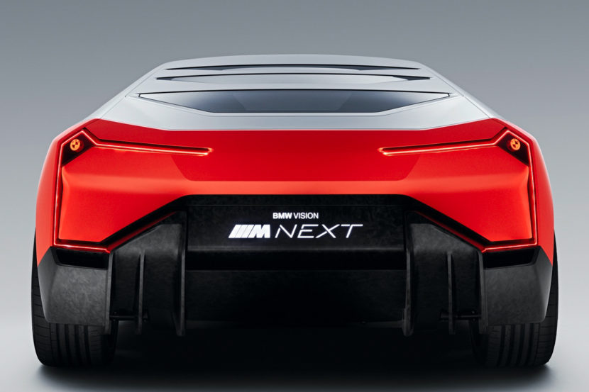 BMW Vision M NEXT vs BMW M1 Hommage 7 of 8 830x553