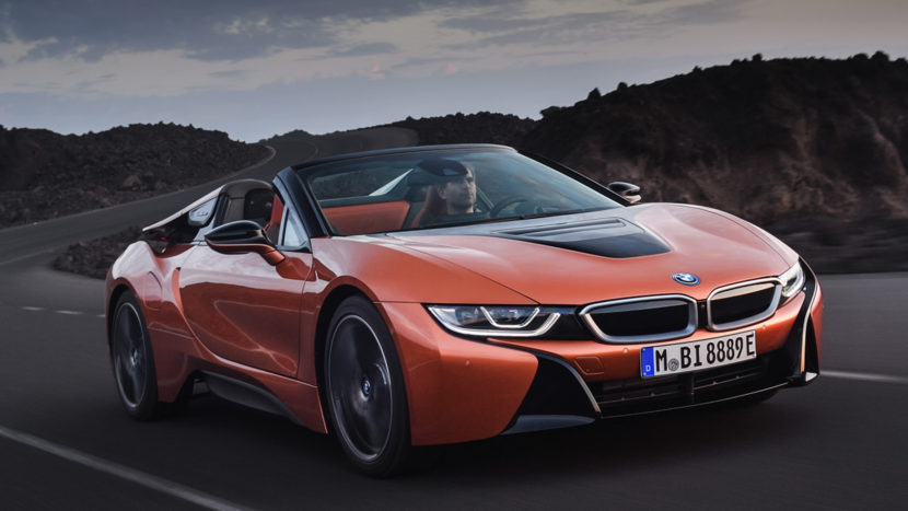 BMW Vision M NEXT vs BMW i8 6 of 10 830x467