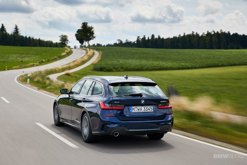 2019 BMW 330d Touring test drive 17 830x553