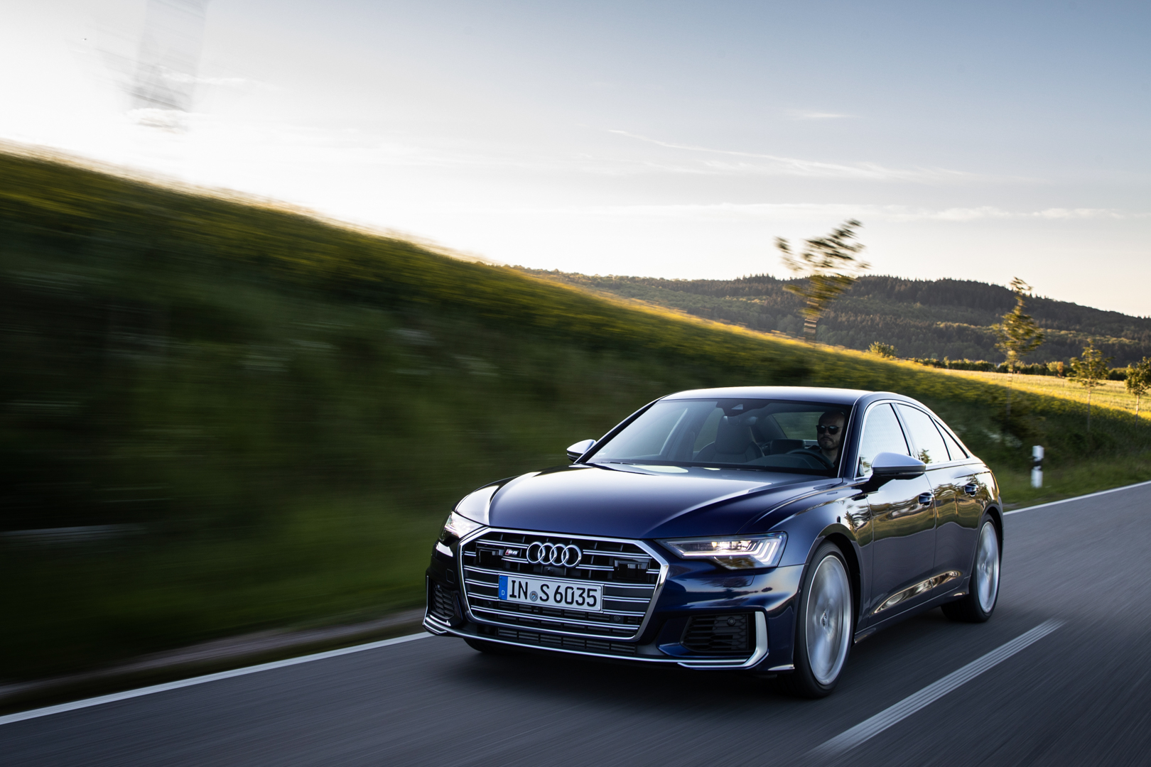 2020 Audi S6 Arrives in the US to Challenge the BMW M550i xDrive