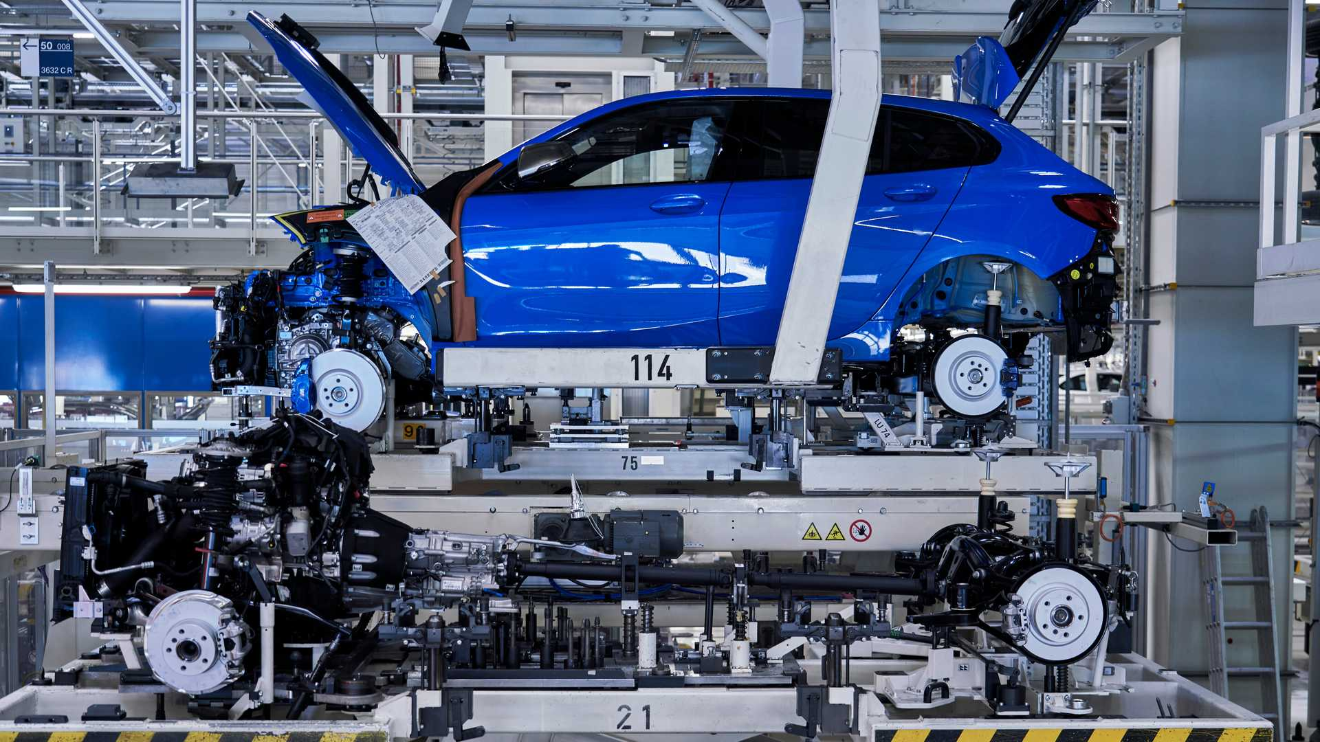 2020 bmw 1 series production at leipzig factory2
