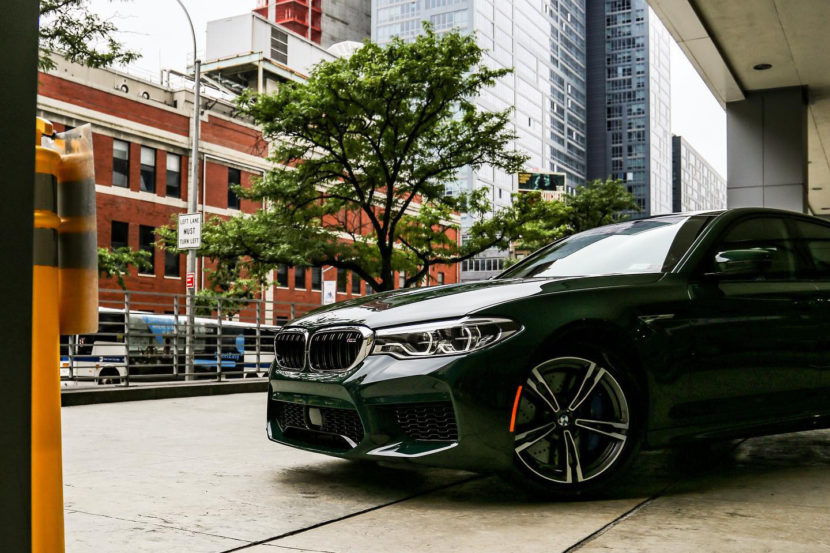 BMW M5 F90 Individual British Racing Green New York 02 830x553