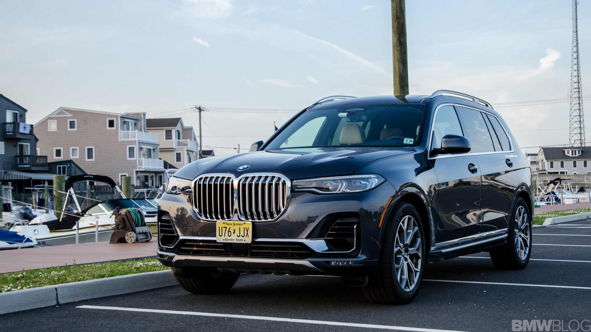 Who's got the better grille? BMW 7 Series Facelift vs. BMW X7