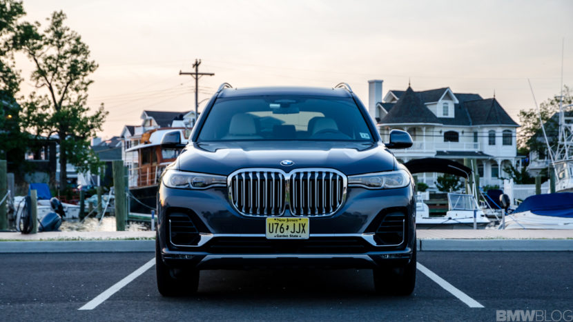 BMW X7 xDrive50i 25 of 71 830x467