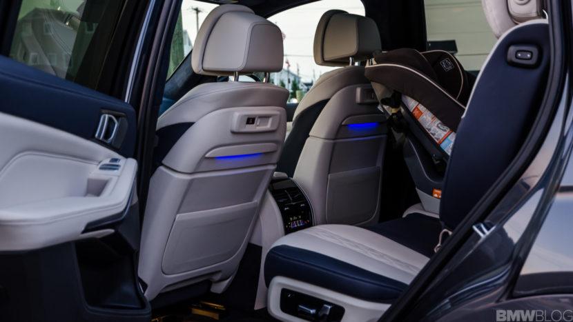 BMW X7 xDrive50i 47 of 71 830x467