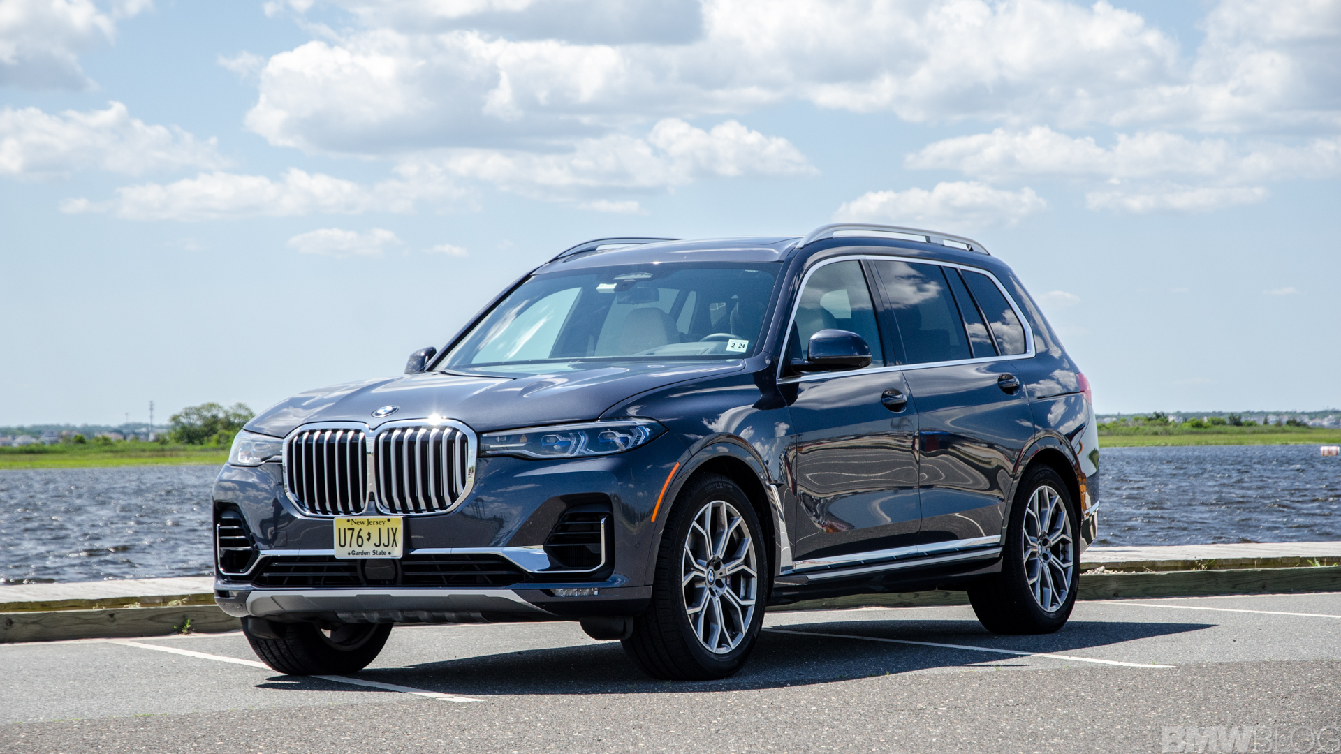 BMW X7 xDrive50i 5 of 71