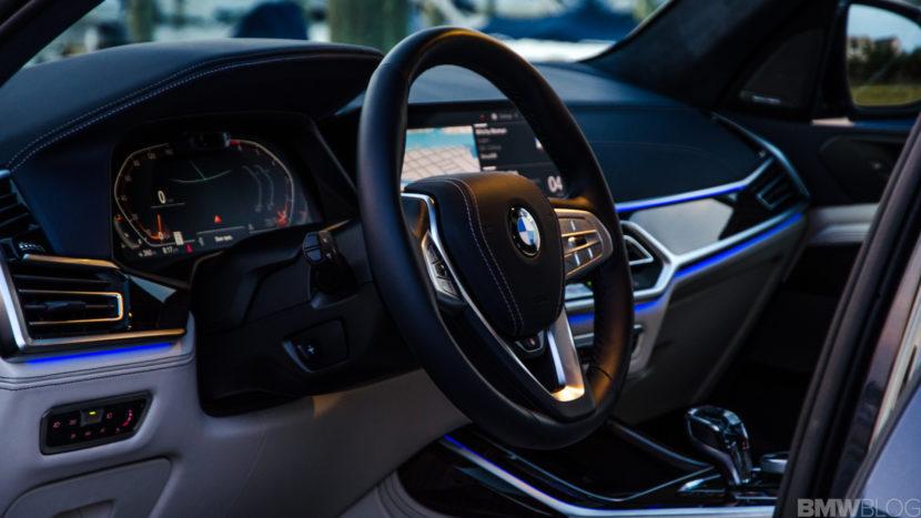 BMW X7 xDrive50i 57 of 71 830x467
