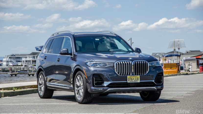 BMW X7 xDrive50i 8 of 71 830x467