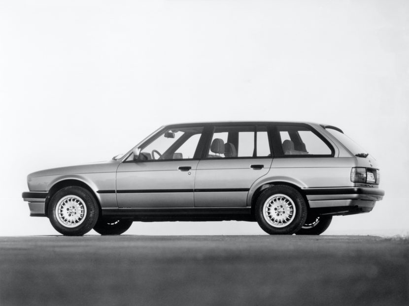 E30 3 Series Touring 325xi 01 830x622