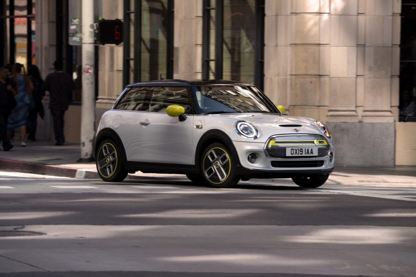 MINI Cooper SE electric 47 830x553
