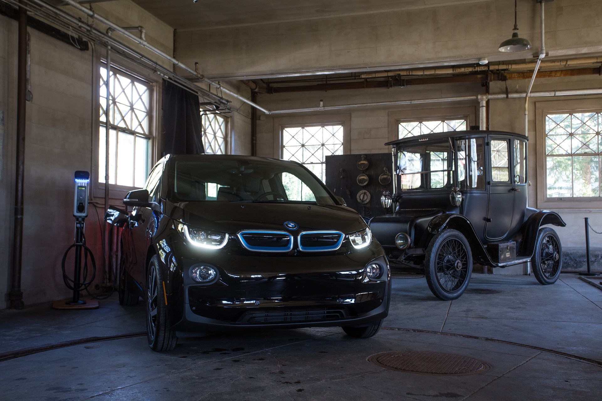 P90358550 highRes a bmw i3 electric ve