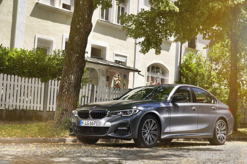 2019 2020 BMW 330e plug in hybrid 22 830x553