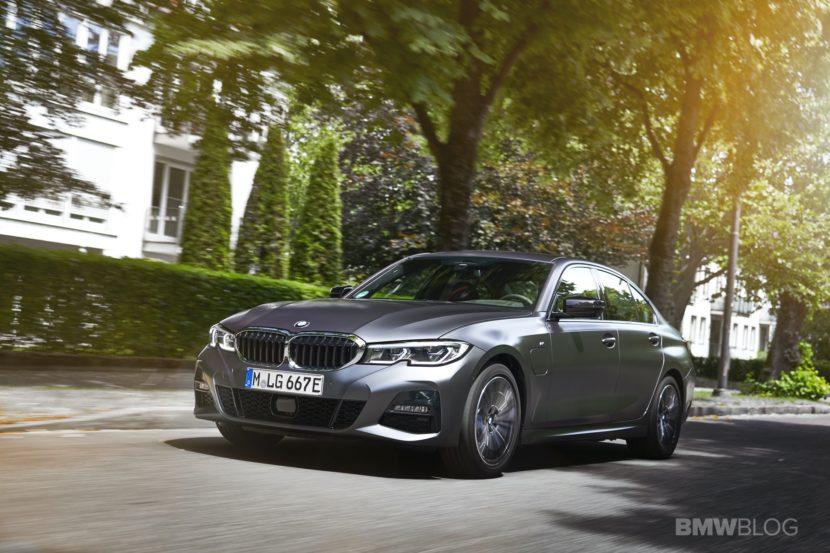 2019 2020 BMW 330e plug in hybrid 26 830x553