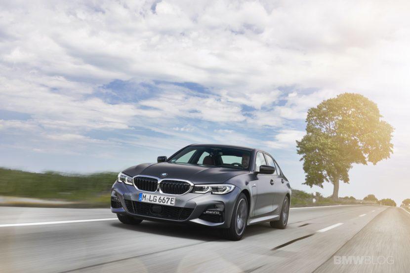 2019 2020 BMW 330e plug in hybrid 32 830x553