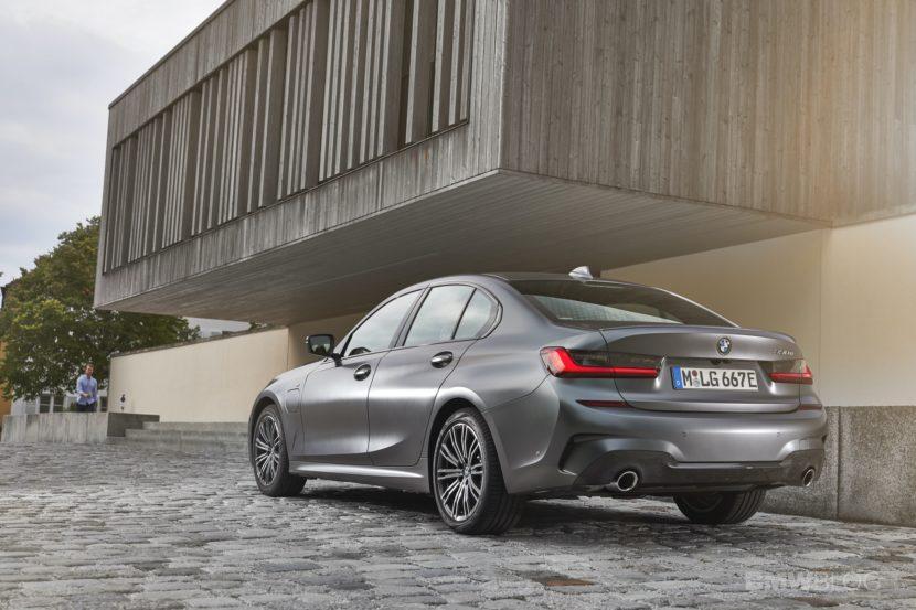 2019 2020 BMW 330e plug in hybrid 40 830x553