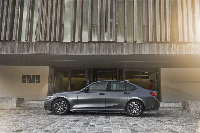2019 2020 BMW 330e plug in hybrid 43 830x553