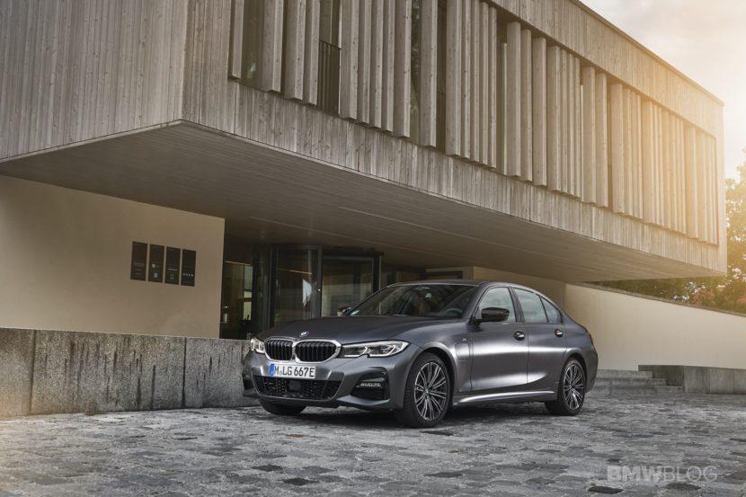 2019 2020 BMW 330e plug in hybrid 44 830x553