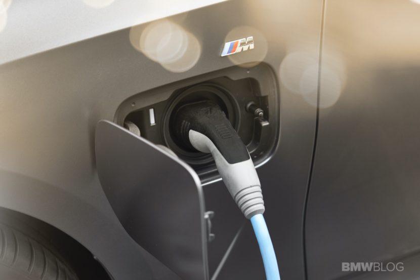 2019 2020 BMW 330e plug in hybrid 55 830x553