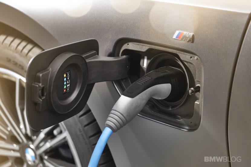 2019 2020 BMW 330e plug in hybrid 56 830x553