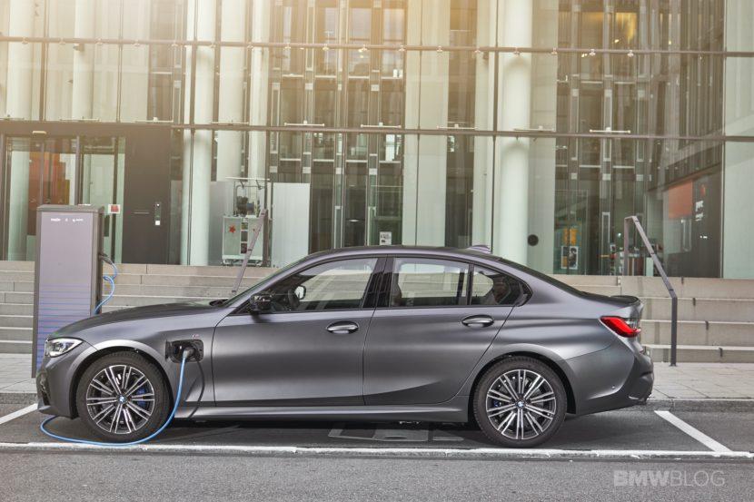 2019 2020 BMW 330e plug in hybrid 59 830x553