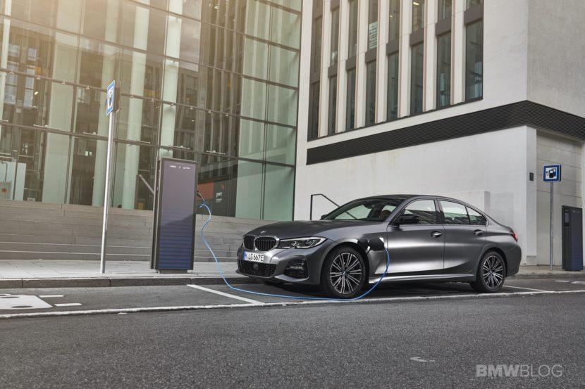 2019 2020 BMW 330e plug in hybrid 60 830x553