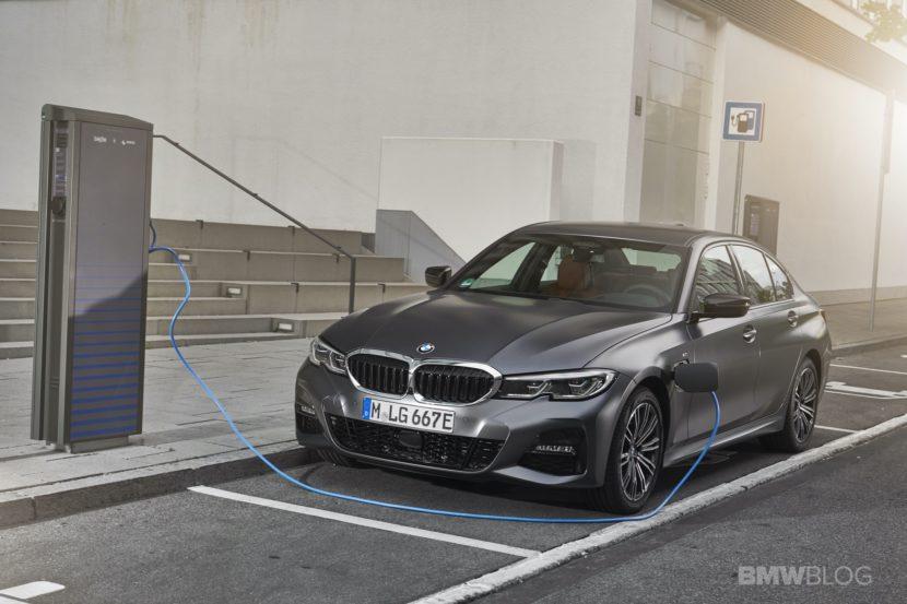2019 2020 BMW 330e plug in hybrid 61 830x553