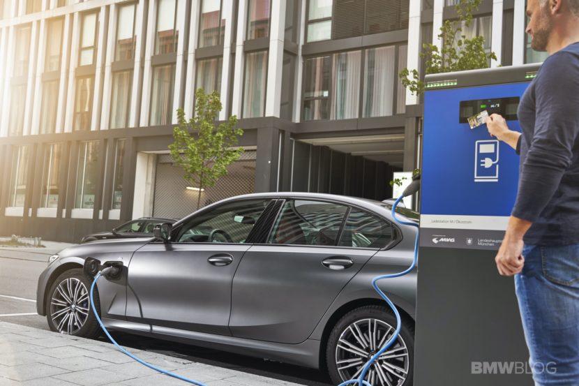 2019 2020 BMW 330e plug in hybrid 65 830x553