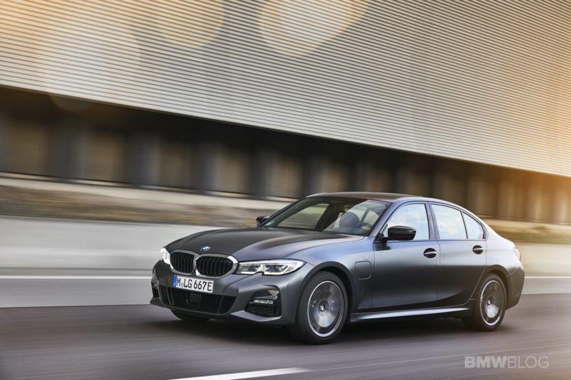 2019 2020 BMW 330e plug in hybrid 82 830x553