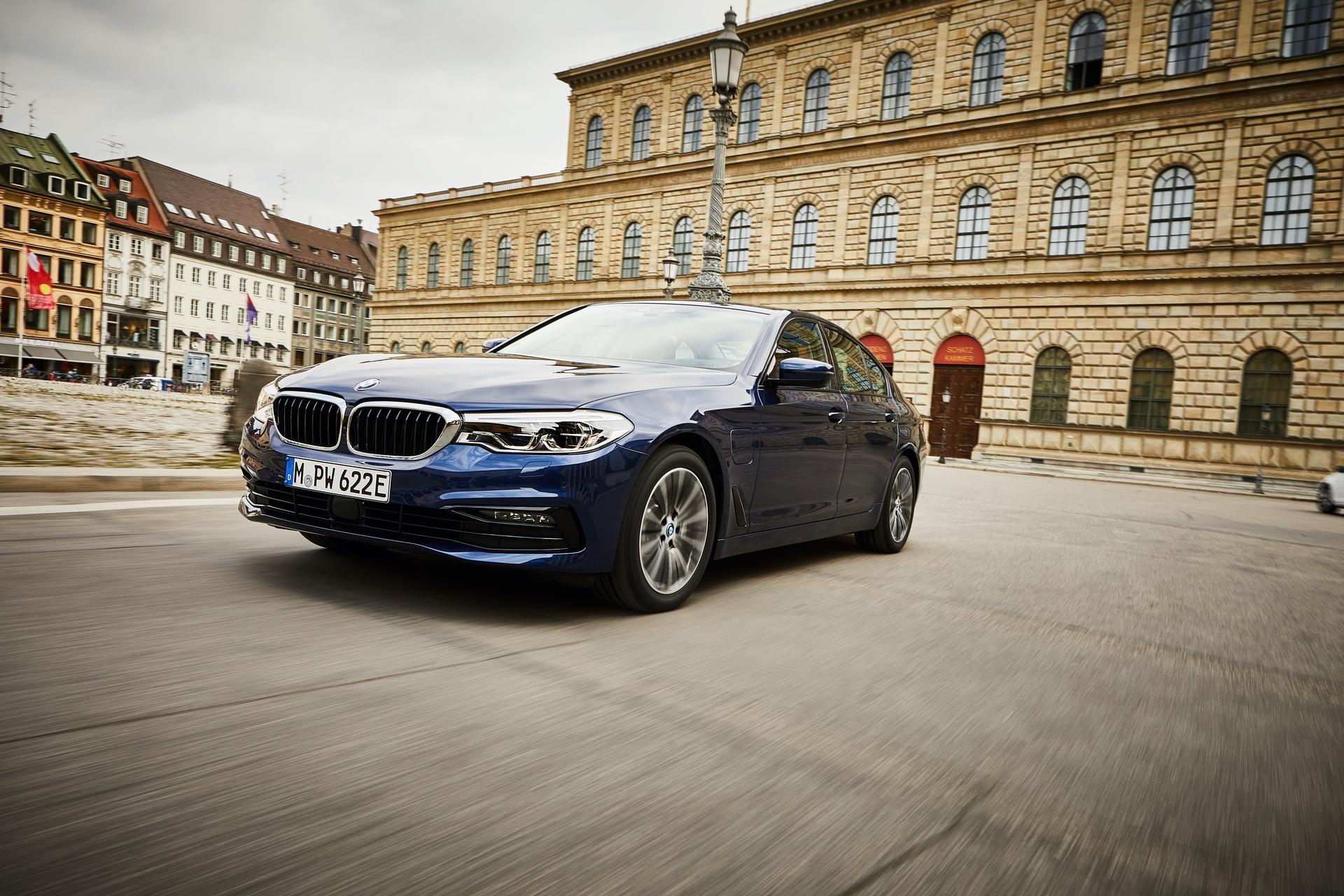2019 BMW 530e xdrive 03