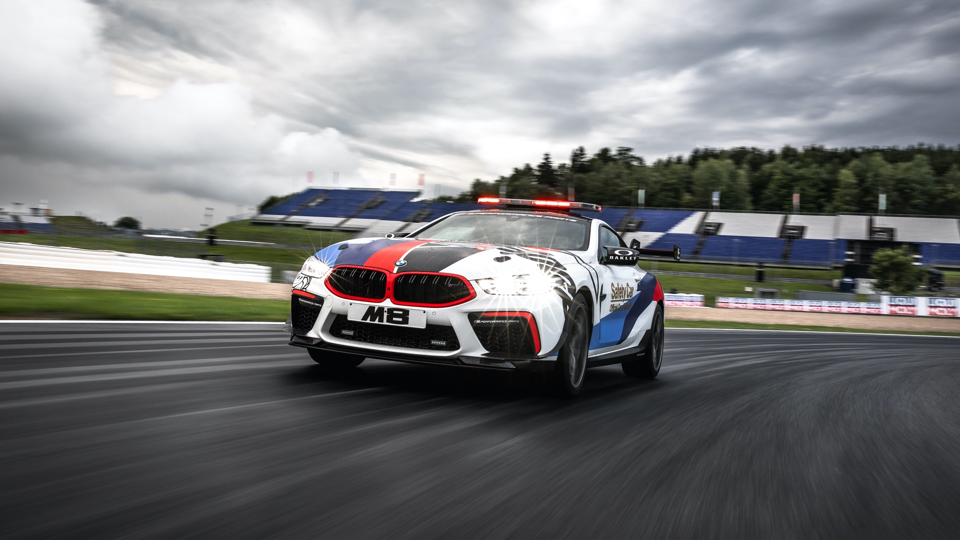 BMW M8 MotoGP Safety Car 42