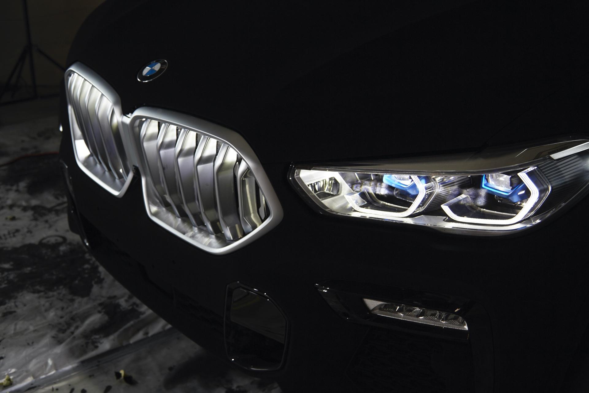 BMW X6 Vantablack 23